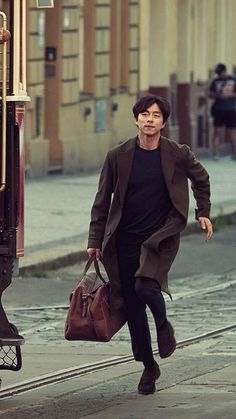 BC Card CF 2017 ❤❤  공유 Gong Yoo ♡♡  Life was its usual and then there's Yoo..