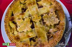 @tmemme28 makes Caramel Raisin Apple Pie! Tune into #homeandfamily weekdays at 10/9c on Hallmark Channel!