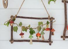 Bei DEPOT gibt es diese tollen Holz-Rahmen. Daraus entstanden ist eine farbenfrohe Wanddeko, die den Herbst in unsere vier Wände zaubert :) Die Anleitung zu diesem DIY findet ihr hier: http://schoen-bei-dir.com/dekoideen/diy-herbstlicher-wandschmuck/
