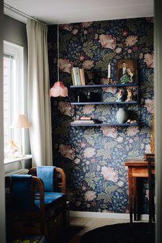 design ideas home Design Retro, Deco Design, View Wallpaper, Home Wallpaper, Interior Design Inspiration, Interior Design Magazine, Jolie Photo, Interior Design Living Room, Home And Living