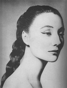 Jacqueline de Ribes. Photo by Richard Avedon, 1955.