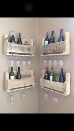 Best Budget Friendly DIY Pallet Shelves and Racks for Books and Bottles Einrichtung - diy pallet creations Wooden Pallet Projects, Pallet Crafts, Wooden Pallets, Wooden Diy, Diy Projects, Project Ideas, Recycled Pallets, Pallet Furniture Projects, Wooden Pallet Signs