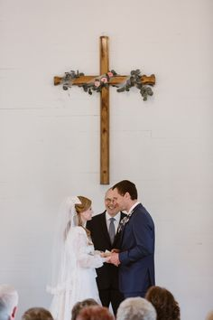 Wedding Plan---Church Wedding, Part 1 – AprilDress Church Wedding Ceremony, Wedding Ceremony Decorations, Church Weddings, Retro Wedding Inspiration, Retro Weddings, Rustic Weddings, Chic Vintage Brides, Marriage And Family, Grace Dent