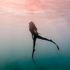 redbulladventure : Hold your breath.: @estrellanavarroholm : @thatmikolim #freediving #underwater #ocean