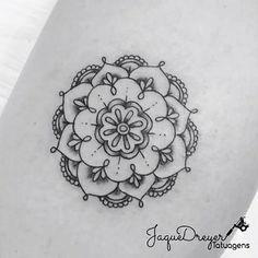 """Amamos mandalas e você? Tatuagem feita por <a href=""""http://instagram.com/jaquedreyer"""">@jaquedreyer</a> =)"""