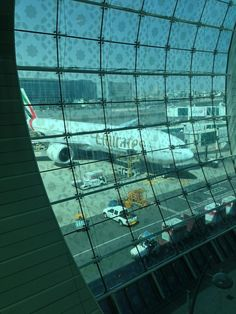 Dubai Vacation, Dubai Travel, Airplane Window View, Dubai Video, Emirates Airline, Airplane Photography, Snapchat Picture, Beautiful Places To Travel, Photos Tumblr