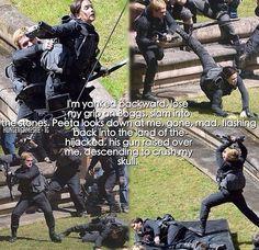 Escenas de Sinsajo parte 2 imágenes exclusivas de Peeta y Katniss