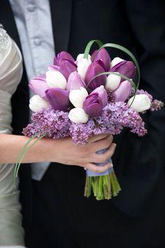 lila Hochzeitsstrauß, Tulpen und Flieder, Ideen für Frühlingshochzeit