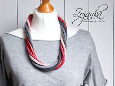 Lovely necklace in red and gray colours. This necklace is made of sewn thin stripes in matching shades. All stripes have been made of recycled fabrics, so I give a new life to it. Necklace is very light and soft, it is very comfy to wear. Material: linen, cotton, satin, cotton fabric Lenght