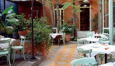 ΓΙΑΝΤΕΣ / great place to eat in Athens Places To Eat, Great Places, House Doors, Best Sites, Athens, Travel Guide, Greece, Patio, Spaces