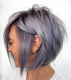 Messy Edgy Pastel Purple Bob This is not your mother's stacked, layered bob. It speaks boldness! The chin-length peek-a-boo bangs run along the face complementing this ultra-edgy hairstyle with a lot of teased spiky layers. Bob Hairstyles For Fine Hair, Medium Bob Hairstyles, Hairstyles Haircuts, Pixie Haircuts, Wedding Hairstyles, Braided Hairstyles, Stylish Haircuts, Braided Updo, Celebrity Hairstyles