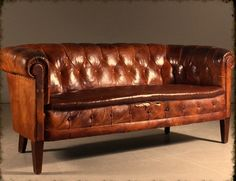 English couch by club model, circa sofa's мебель, интерьер. 1930s Furniture, Leather Furniture, Furniture Styles, Leather Sofa, Home Furniture, Furniture Ideas, Sofa Design, Interior Design, Art Deco