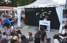 31/05/15. Concurso de microliteratura en la carpa de EL PAÍS - BABELIA en la FML. Foto © Jorge Aparicio/ FLM15