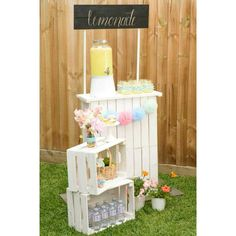 Drink station from a Pastel County Fair Themed Birthday Party Longing for a party you can swoon over? Take a peek at this Pastel County Fair Themed Birthday Party here at Kara's Party Ideas. Birthday Party Drinks, Unicorn Birthday Parties, Country Birthday Party, 4th Birthday, Birthday Ideas, County Fair Birthday, Fete Emma, Bar Deco, Balloon Stands