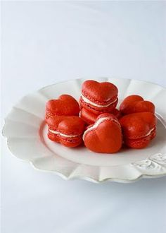 "Heart-Shaped Macarons for Valentine's Day! I""m obsessed with macarons! Red Velvet Macaroons, Red Velvet Desserts, Red Velvet Recipes, Red Macarons, French Macaroons, Raspberry Macaroons, Velvet Cupcakes, Valentines Day Food, Valentine Cookies"