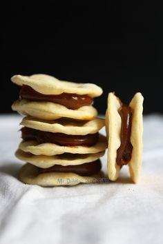 En este día tan especial debido a que en mi país se celebran las Fiestas Patrias, es que subo esta receta tan tradicional. Este sábado celebraremos con unos amigos chilenos acá en Atlanta, con un buen asado y empanadas. Aunque desde ayer me adelante hacer pastel de choclo, empanadas de pino ...