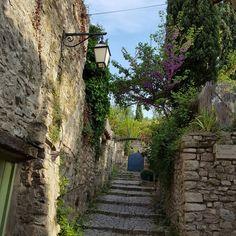 Ruelle de Vaison la Romaine, France