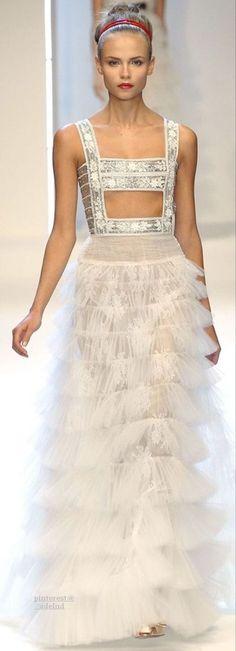Valentino Couture, Valentino Women, Valentino Garavani, Prom Dresses, Wedding Dresses, Couture Dresses, Designer Dresses, Fashion Show, Runway Fashion