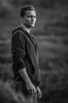 Thomas William Hiddleston (czyt. Loki Laufeyson) - Urodzony gdzieś na… #losowo # Losowo # amreading # books # wattpad