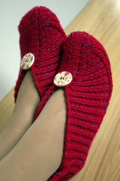 Knitted Slippers without Sewing Irena – PDF Pattern Knitting Instructions – in English Language – Knitting Socks İdeas. Knit Slippers Free Pattern, Knitted Slippers, Crochet Slippers, Knit Crochet, Sewing Slippers, Women's Slippers, Knitting Patterns Free, Free Knitting, Sewing Patterns