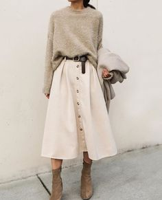 Beige Look From Zara - FashionActivation - Damen Mode Frühling / Spring Outfits Mode Outfits, Winter Outfits, Casual Outfits, Fashion Outfits, Skirt Fashion, Midi Skirt Outfit Casual, Style Work, Mode Style, Fashion Mode