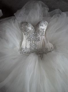 A gorgeous Pnina Tornai wedding gown with a heavily beaded bodice and a big skirt, a perfect wedding dress for a big wedding Pnina Tornai, Bridal Gowns, Wedding Gowns, Pina Tornai Wedding Dresses, Wedding Bells, Wedding Day, Used Wedding Dresses, Princess Wedding, Perfect Wedding