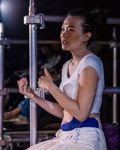 Michelle in The Beautiful Ones post-show talk  Photography by 朗escape.hk  #hongkong #香港 #hk #hkdrama #hkig #hongkongtheatre #香港劇場 #hktheatre #audioguide #app #rooftopproductions #天台製作 #thebeautifulones #行為淪喪 #pplsfringe #hkpff2015 #hkpff