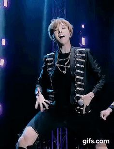 The hotness and charisma is too much to handle!!! My talented jhope :)