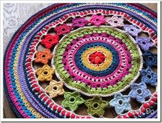 colorful crochet circles into pillows...yummy!