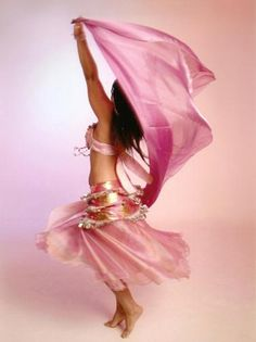 Find parts of your perfect world on Indulgy, keep them for yourself, and share to others. Belly Dance Outfit, Belly Dance Costumes, Tribal Fusion, Shall We Dance, Just Dance, Danza Tribal, Female Dancers, Dance Movement, Dance Pictures