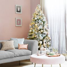 Ensure your Christmas tree is always picture perfect with this Snowy Vancouver artificial Christmas tree from A by Amara. With a delicate frosted/snowy finish, this artificial tree is an incredibly re