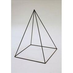 Frame pyramide 30 x 40 cm https://www.bissfloral.nl/blog/2016/01/21/frame-pyramide-30-x-40-cm/