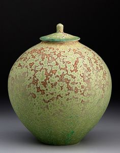 John Tilton - Large Covered Jar with Crystalline Matte Glazes– High fire porcelain, matte crystalline glazes of own formulation, multiple firings to cone 10 in oxidation. Ceramic Boxes, Ceramic Jars, Ceramic Clay, Ceramic Pottery, Pottery Art, Slab Pottery, Pottery Studio, Earthenware, Stoneware