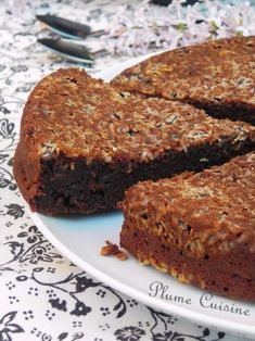 Gâteau fondant chocolat-banane | Une Plume dans la Cuisine Rosh Hashanah, Apple Cake, Meatloaf, Biscuits, Banana Bread, Curry, Food And Drink, Cooking, Steaks