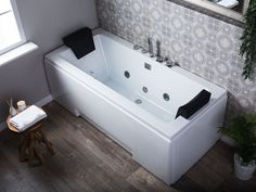 Baignoire balnéo blanche GALLEY avec LED 170 cm pas cher - 🤩Découvrir ici - #BaignoireBalneo #ManoMano #Baignoire #Salledebains #Balneo Design Bauhaus, Varadero, Samana, Corner Bathtub, Tiny House, Spa, Bathroom, Products, Bath