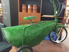 Movie made, solid metal bike made to look like a pickle. Lots of puns flying around when this wheeled in! Diy Go Kart, Diy Things, Pickle, Puns, Movie, Metal, Clean Puns, Diy Stuff, Film