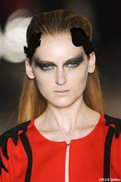 5 #coiffures faciles à réaliser pour les fêtes: le dégagé accessoirisé à la Jean-Charles De #Castelbajac