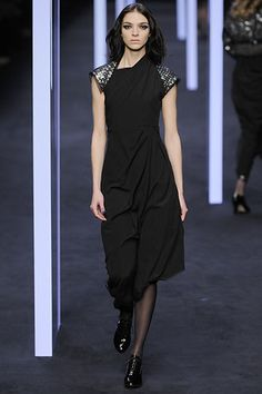 Karl Lagerfeld Fall 2008 Ready-to-Wear Fashion Show - Vlada Roslyakova