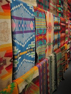 navajo- the fashion world for native textiles! Chihuly's vast collection of Native wool trade blankets boston museum