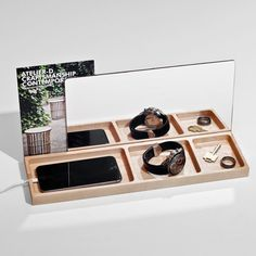 Jonathan Dorthe, of Montreal-based ATELIER-D, has designed two new products in maple that will help you stay organized in any room in your house.