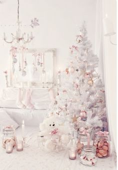 fashioncandyfloss: Girly and Shabby Chic Christmas inspiration! Rose Gold Christmas Decorations, Pink Christmas Tree, Shabby Chic Christmas, Whimsical Christmas, Noel Christmas, Christmas Themes, Holiday Decorations, Holiday Ideas, Christmas Mantles