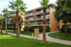 ALGARVE-ALBUFEIRA- 3 BED APARTMENT, POOL, GARAGE, WALK TO BEACH - South Port Realty
