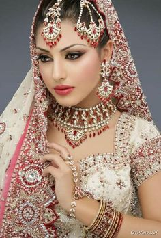 Pakistani Bridal Makeup Pictures:In Pakistani bridal makeup and new fashion styles. to view new pakistani bridal makeup style Have a nice Pa. Wedding Dresses For Girls, Bridal Dresses, Bridal Outfits, Indian Dresses, Indian Outfits, Indian Wedding Dresses, Indian Clothes, Moda Indiana, Indian Wedding Makeup