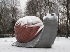"""cullen-trash: """" aliov: """" Sweet Brown Snail by Jason Rhoades and Paul McCarthy """" Effervescent """" [Image description: A photo of a snail sculpture in a snowy park. He's grey, has a brown shell and has a. Friday The 13th Memes, Friday Humor, Museen In München, Paul Mccarthy, Mc Carthy, Security Blanket, Park, Snail, Unique Art"""