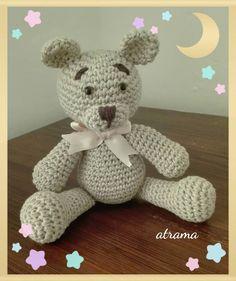 Un amoroso amigurumi para desearles un feliz fin de semana que ya es viernes! #oso #bear #jugueste #babytoys #ganchillo #crochet #uncinetto #virka #hekle #hækle #amigurumis #amigurumidoll #craft #murcia #diy #crochetersofinstagram #instacrochet #crochetdoll #osito #bebe #reciennacido #newborn #jugueteartesano #picoftheday #atrama #detalles #regalosoriginales #canastilla #babyshower by atrama_artesana