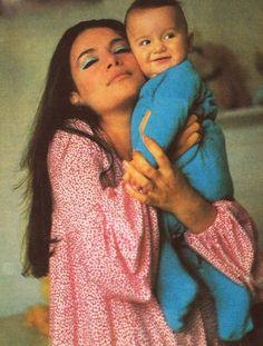 30 σπάνιες φωτογραφίες της αθάνατης Τζένης Καρέζη - nena.gr - Σελίδα 9 Actors & Actresses, Beautiful People, Greece, Stars, Film, Couple Photos, Lady, My Style, Beauty