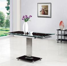 Enke Red Glass Extending Dining Table Only Great for city living and smaller flats only great for Black Extendable Dining Table, Black Glass Dining Table, Wooden Dining Tables, Dining Table In Kitchen, Dining Table Chairs, Glass Table, Dining Sets, Dining Table Dimensions, High Quality Furniture