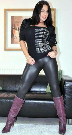 Mature shiny catsuit domina herrin carmen rollenspiel transformation zum eunuchen - 2 5