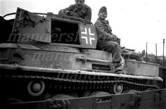Toldi I light tank Defence Force, Ww2 Tanks, Military History, Panthers, Hungary, Military Vehicles, Wwii, Chains, Wheels
