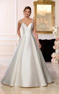 Courtesy of Stella York Wedding Dress Collection from Essense of Australia; Elegant Wedding Gowns, Affordable Wedding Dresses, Dream Wedding Dresses, Bridal Dresses, Gown Wedding, Wedding Bells, Fall Wedding, Wedding Cakes, Wedding Ideas